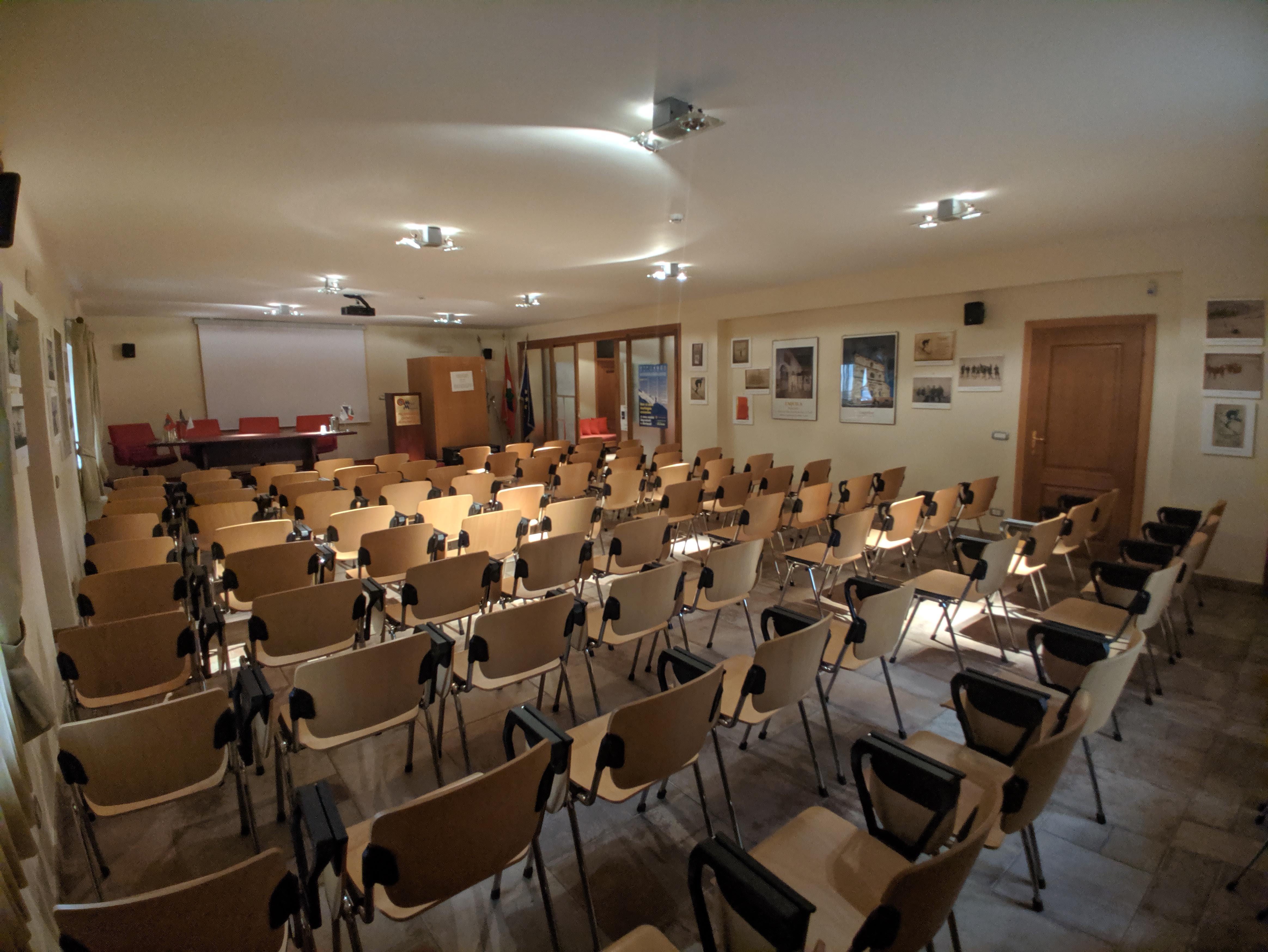 Sala congressi Palamagnola